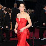 Sandra Bullock en la alfombra roja de los Oscar 2011