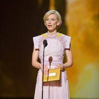 Cate Blanchett presenta los Oscar 2011
