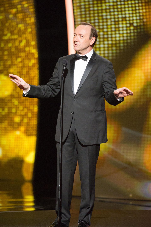 Kevin Spacey es un presentador de los Oscar 2011