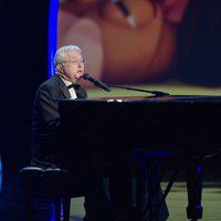 Randy Newman al piano en los Oscar 2011