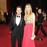 Mark Wahlberg y Rhea Durham en los Oscar 2011