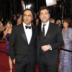 Javier Bardem y Alejandro González Iñárritu en los Oscar 2011