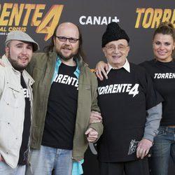 Kiko Rivera, Santiago Segura, Tony LeBlanc y María Lapiedra en la rueda de prensa de 'Torrente 4'