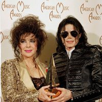 Liz Taylor con Michael Jackson en los AMA