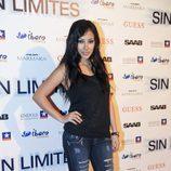 La actriz Gisele Calderón posa en la Premiére de 'Sin Límites'