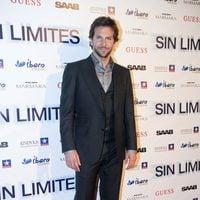 Bradley Cooper posa en la presentación de 'Sin Límites'