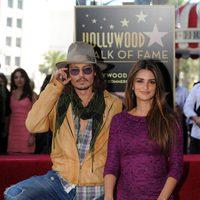 Penélope Cruz y Johnny Depp en el Paseo de la Fama