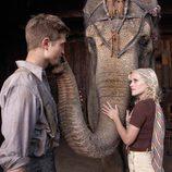 Jacob y Marlena conectan gracias a un elefante
