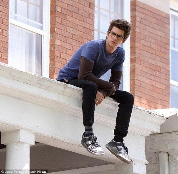 Andrew Garfield como Peter Parker en el set de 'The amazing Spider-Man'