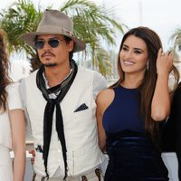 Astryd Bergès-Frisbey, Johnny Depp, Penélope Cruz e Ian McShane en el Festival de Cannes 2011