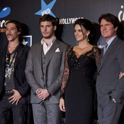Óscar Jaenada, Sam Claflin y Rob Marshall acompañan a Penélope Cruz en Madrid