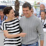 Elena Anaya y Antonio Banderas presentan en Cannes 'La piel que habito'