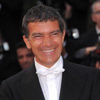 Antonio Banderas, sonriente en la alfombra roja de Cannes