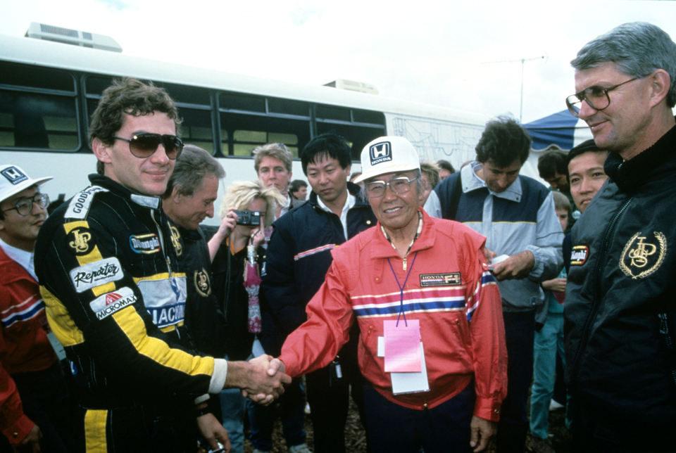 Senna, fotograma 1 de 35