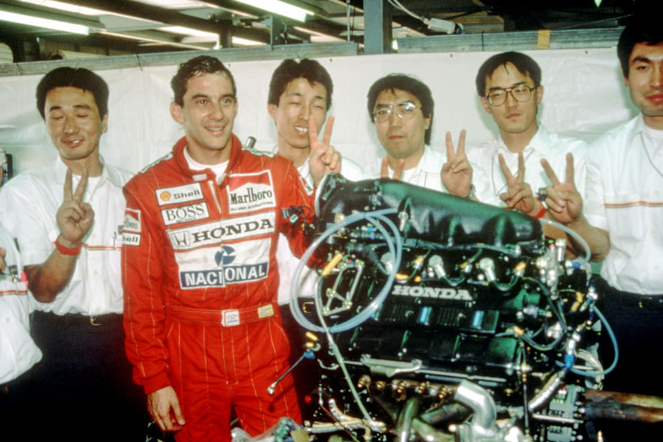 Senna, fotograma 3 de 35