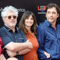 Pedro Almodóvar, Penélope Cruz y Javier Bardem en la Calle de las Estrellas