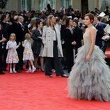 Emma Watson cruza la alfombra roja en Trafalgar Square