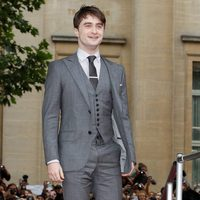 Daniel Radcliffe posa en la alfombra roja de 'Las reliquias de la muerte: Parte 2'