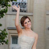 Emma Watson saluda a los fans de la saga Harry Potter