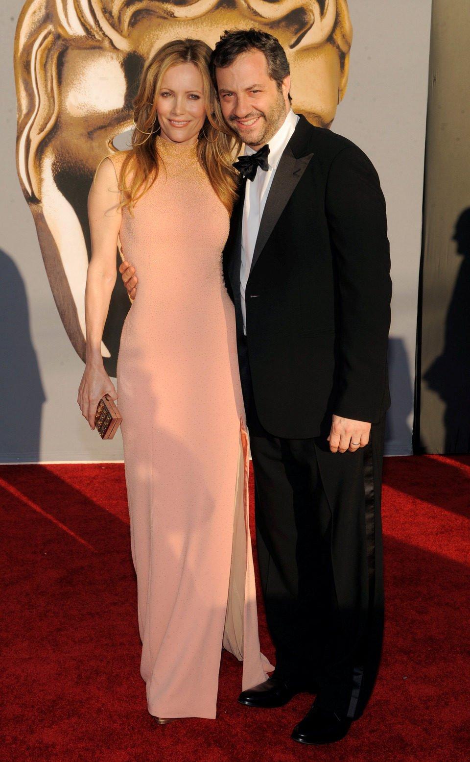 Judd Apatow y Leslie Mann asisten a los BAFTA Brits