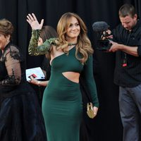 Jennifer Lopez, de verde en el Belasco Theater