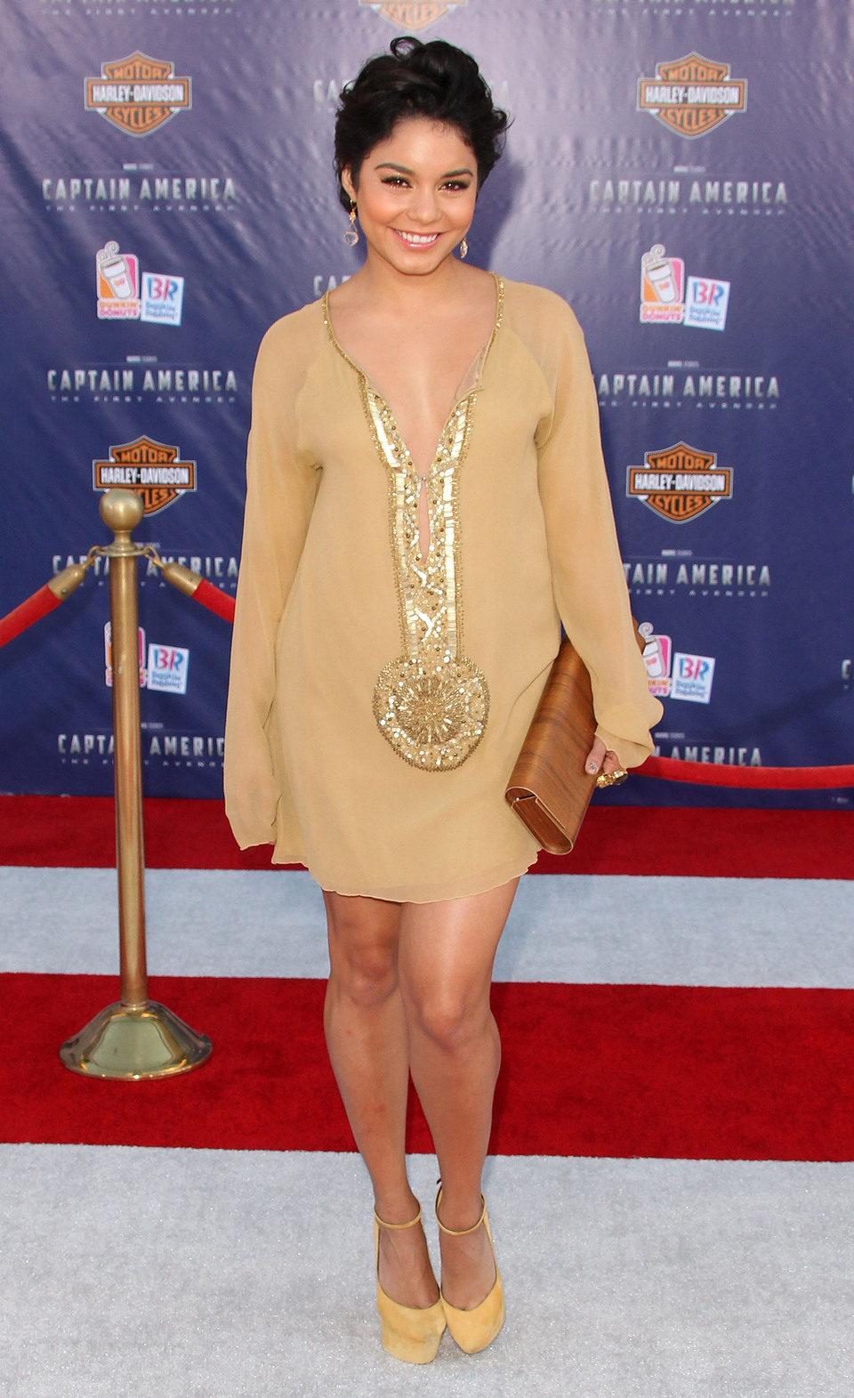 Vanessa Hudgens estrena peinado en la premiére de 'Capitán América'