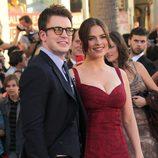 Chris Evans y Hayley Atwell en la premiére de 'Capitán América'