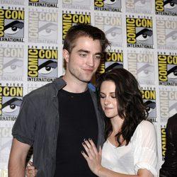 Robert Pattinson y Kristen Stewart en la Comic-Con 2011