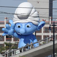 Un pitufo gigante en la Comic-Con 2011