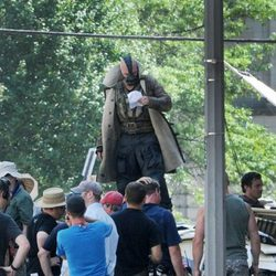 Tom Hardy ensaya una escena de 'The Dark Knight rises'