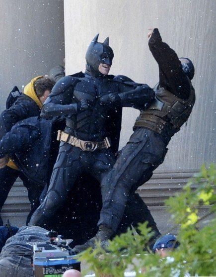 Batman y Bane luchan en 'The Dark Knight rises'