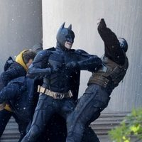 Batman y Bane luchan en 'The Dark Knight rises'