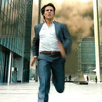Tom Cruise escapa del peligro en la película de Brad Bird