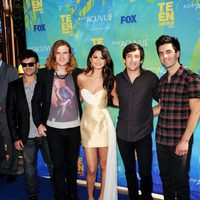 Selena Gomez & The Scene posan en los Teen Choice Awards 2011