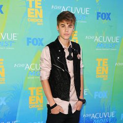 Justin Bieber en la alfombra de los Teen Choice Awards 2011