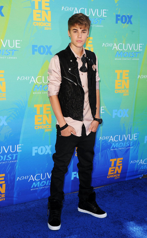 Justin Bieber en la alfombra de los Teen Choice Awards 2011