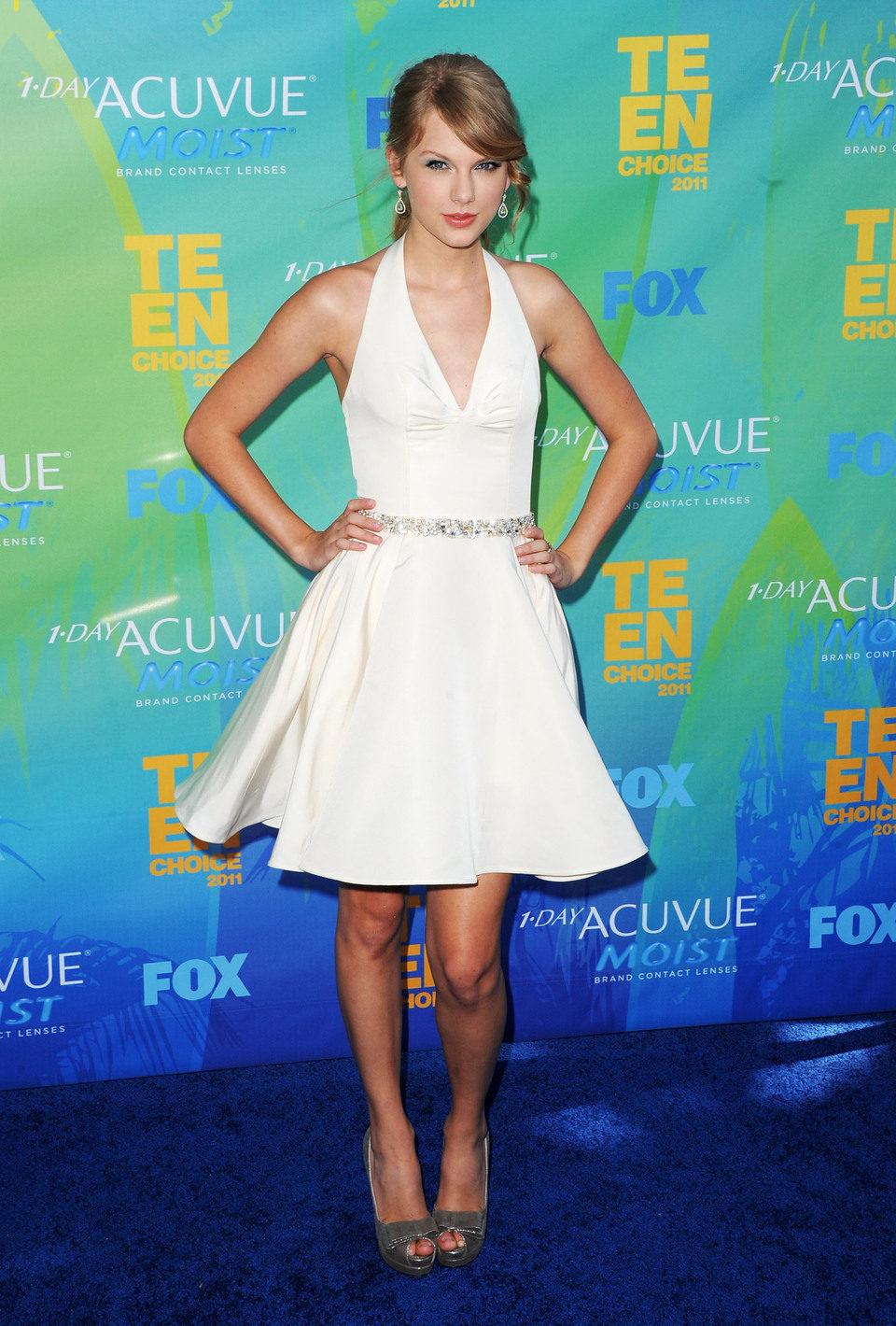 Kim Kardashian posa en el photocall de los Teen Choice Awards 2011