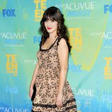 Zooey Deschanel posa en los Teen Choice Awards 2011