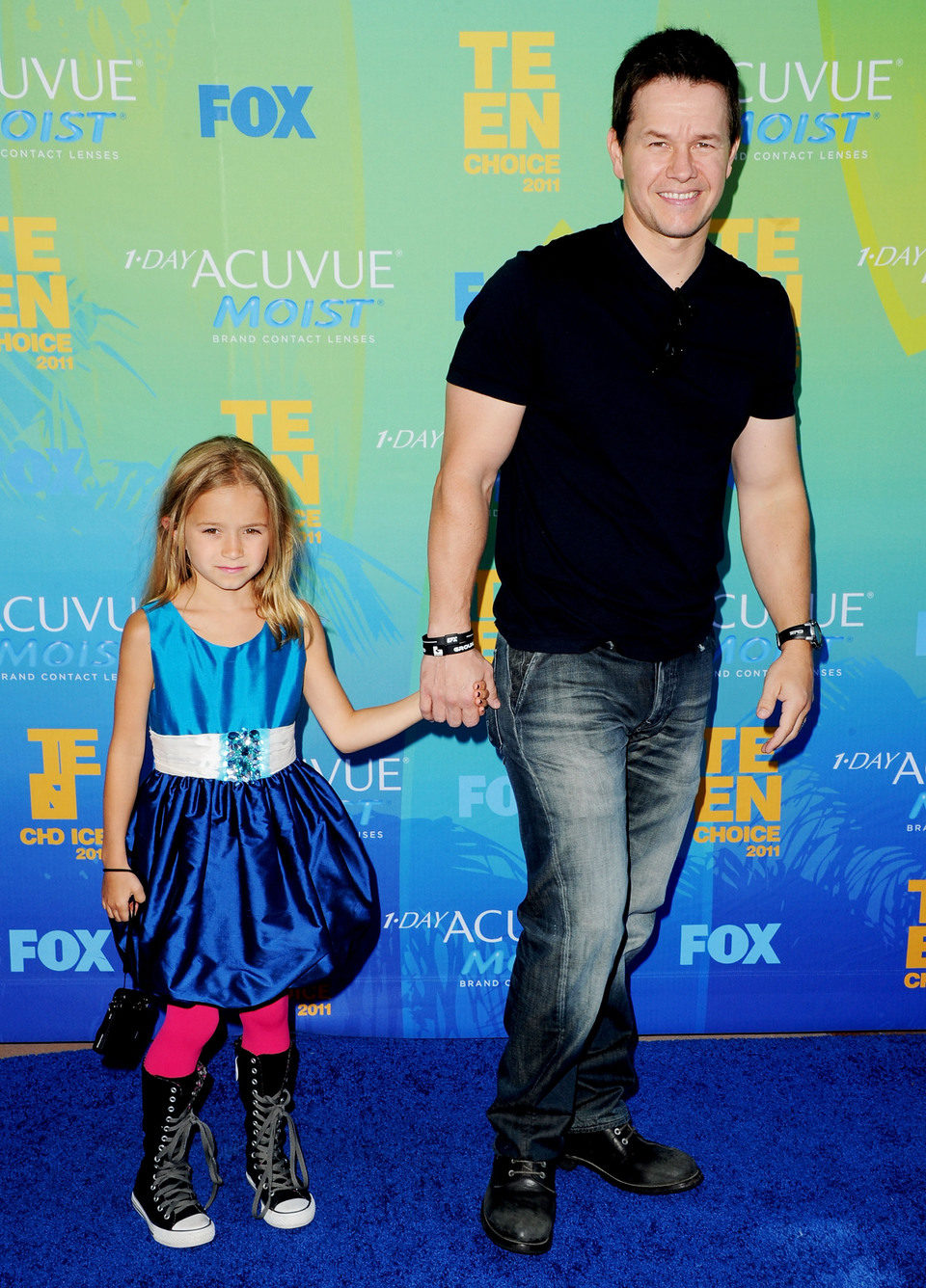 Mark Wahlberg y su hija en los Teen Choice Awards 2011