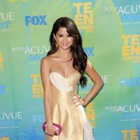 Selena Gomez en la alfombra azul de los Teen Choice Awards 2011