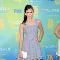 Nina Dobrev en la alfombra de los Teen Choice Awards 2011