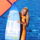 Blake Lively recoge su tabla de surf