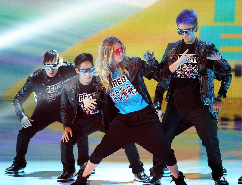 Kaley Cuoco futurista en los Teen Choice Awards 2011