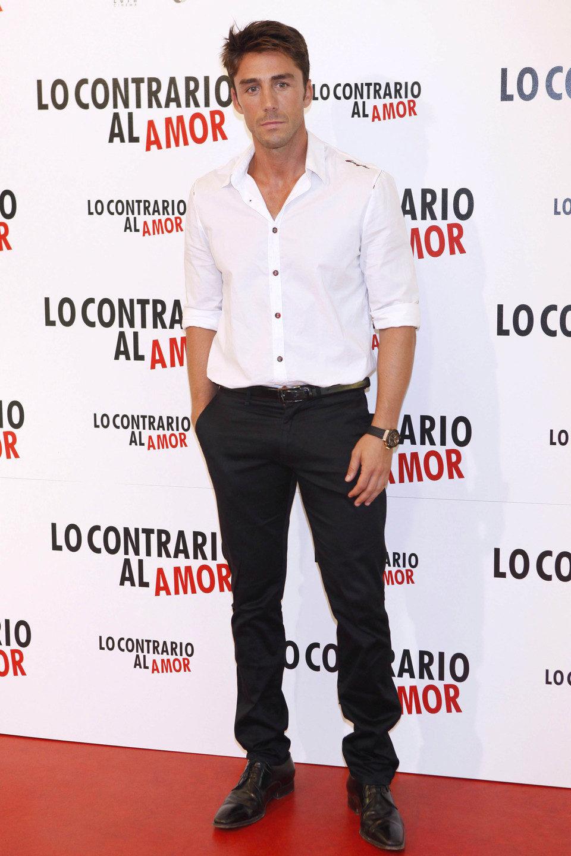 Rubén Sanz posa en el photocall de 'Lo contrario al amor'