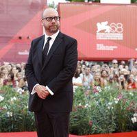 Paul Giamatti posa para la prensa en el Festival de Venecia