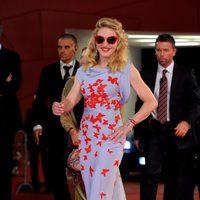 Madonna con gafas de sol en el Festival de Venecia