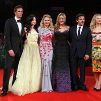 Madonna, directora de 'W.E.', con sus actores en Venecia