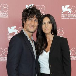 Louis Garrel y Monica Bellucci presentan 'Un Ete Brulant' en el Festival de Venecia