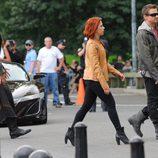 Tom Hiddleston, Scarlet Johansson y Jeremy Renner en el rodaje de 'Los Vengadores