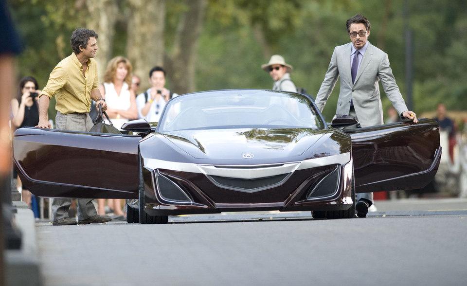 Tony Stark y Bruce Banner se suben al coche del magnate